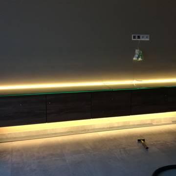 fali lebegő nappali szekrény
