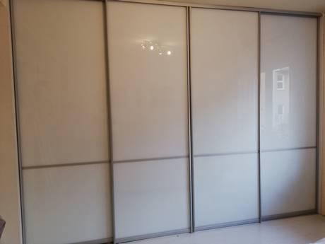 Beépített szekrény szerkezet